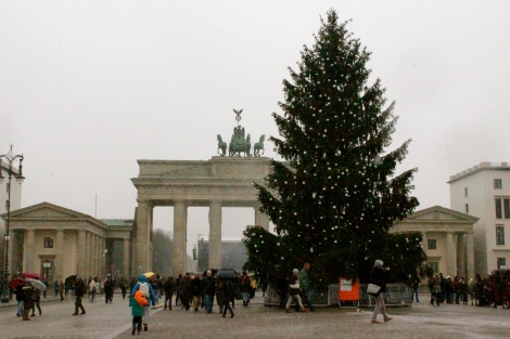 brandenburg gate christmas tree